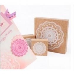 tampon en forme de rosace
