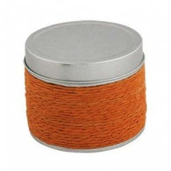 Orange bougie parfumée dans la boîte d'étain
