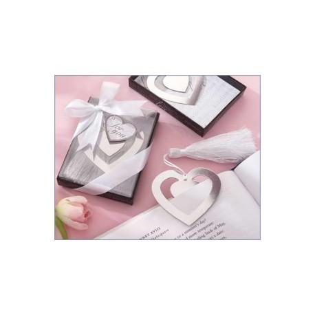 Élégant signet coeur dans la boîte avec du ruban
